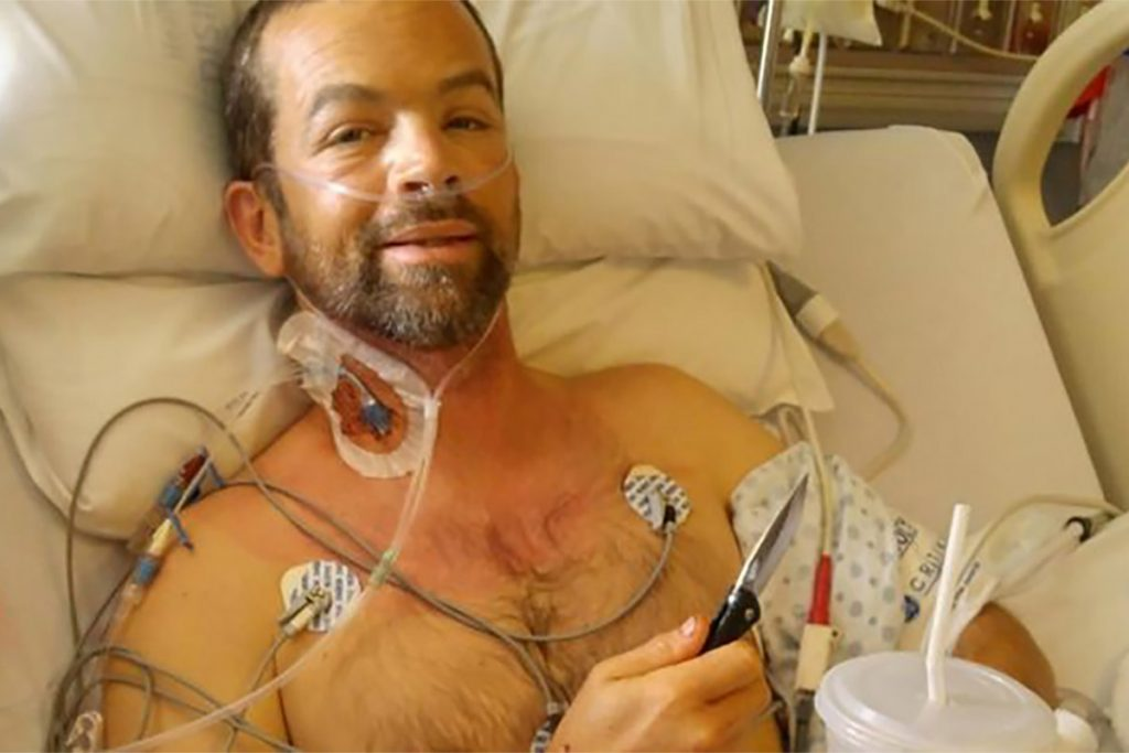 Man Survives Grizzly Attack With 2 Inch Pocket Knife